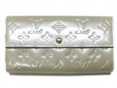 2011年春夏新作 Louis Vuitton 激安 ルイヴィトン 新品 ヴェルニ 財布 ファスナー付き長札 ポルトフォイユ・サラ ブロンコライユ M91466