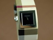 バーバリー 新作&送料込Burberry Signature Collection - Black - Swiss Quartz J-BU0008