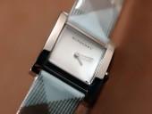 バーバリー 新作&送料込Burberry Classicレディースquartz腕時計 J-BU0005