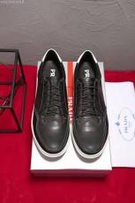 プラダ カジュアルシューズ 新作 新品同様超美品 通販&送料込 運動靴 男性用 PRA041