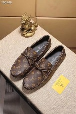 ルイヴィトン カジュアルシューズ 新作 本革 通販&送料込 運動靴 男性用 LVshoes056