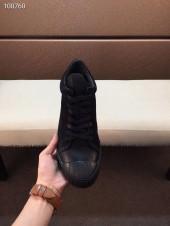 プラダ カジュアルシューズ 新作 本革 新品同様超美品 通販&送料込 運動靴 男性用 PRA047