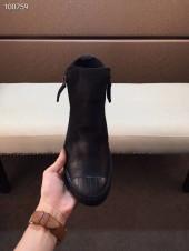 プラダ カジュアルシューズ 新作 本革 新品同様超美品 通販&送料込 運動靴 男性用 PRA048